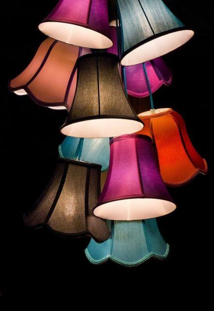 Lampenschirme für farbliche Akzente in der Wohnung